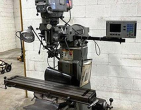 Bridgeport, 9″x48″ Series I, Vertical Miller Power feed table & Accurite DRO, 1995